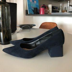 Zara Pointed Chunky Heel sz 7.5 Navy Blue